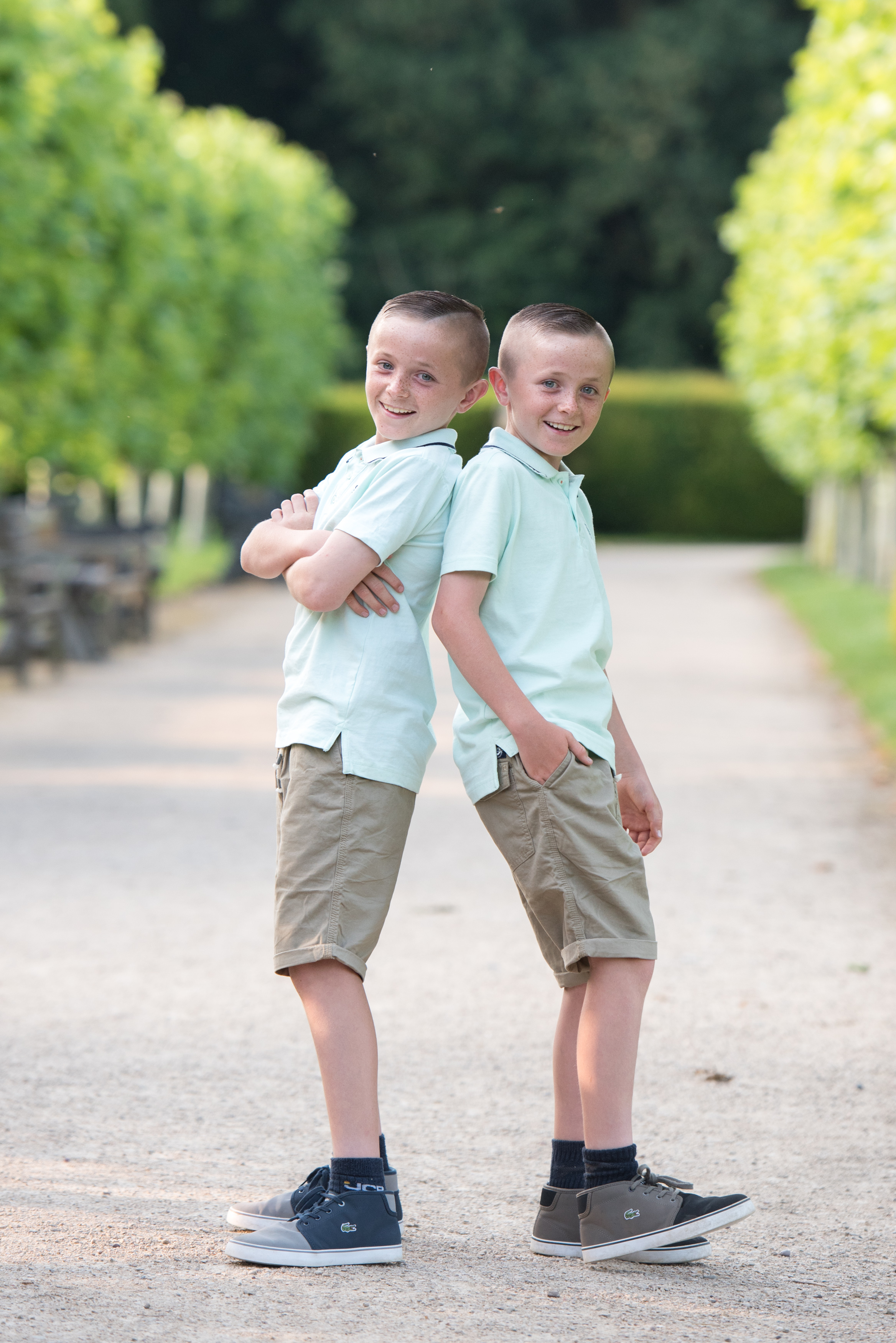 family & sibling photoshoot, outdoors in mansfield, nottingham