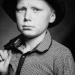 child-photo-shoot-studio-pose