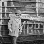 child-photo-shoot-vintage-camera-graffiti