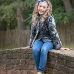 child-photo-shoot-girl-on-bridge