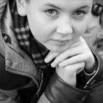 tween-eyes-closeup-child-photo-shoot